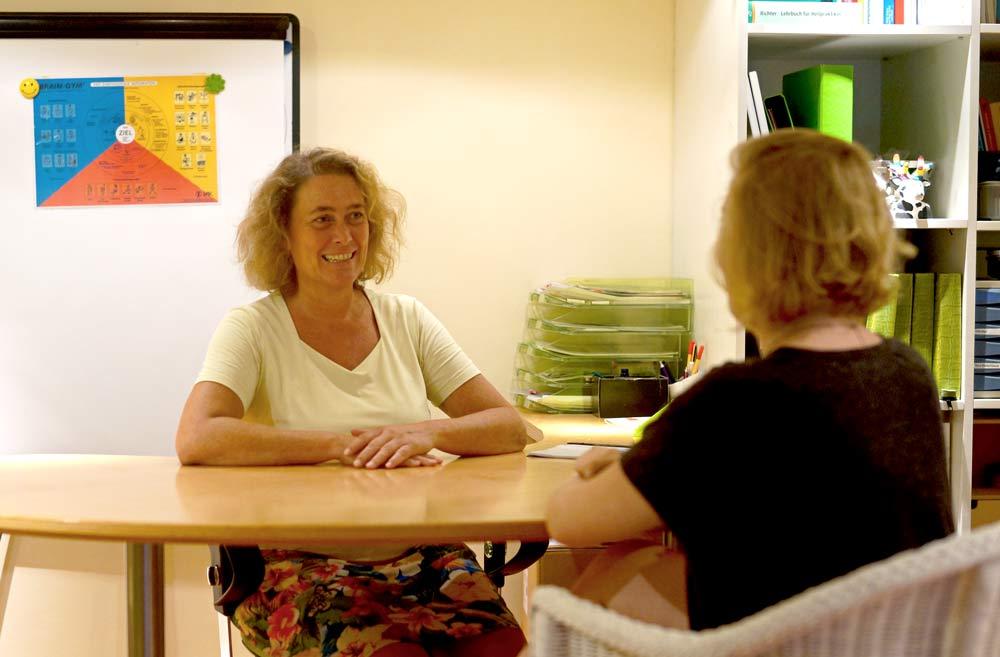 Heilpraktikerin Sabine Scholz Beratungsgespräch
